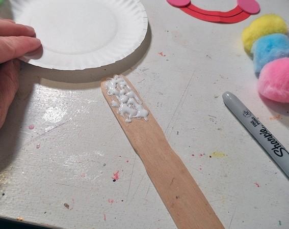 Поделки из одноразовых тарелок: клоун