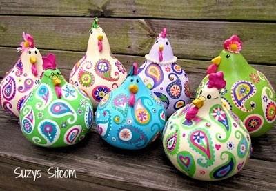 Петушки и курочки из тыквы и пластилина