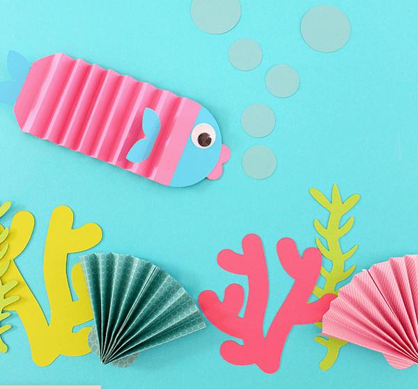 Подводный мир: рыбки гармошкой и кораллы