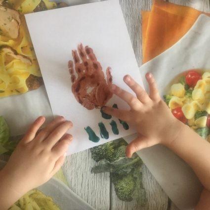 Пальцевая живопись (пальцеграфия): сказочное дерево