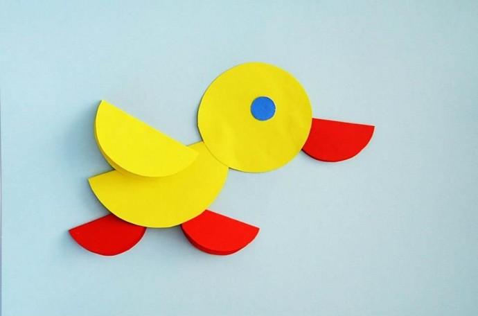 Интересные поделки из кружков бумаги: птички