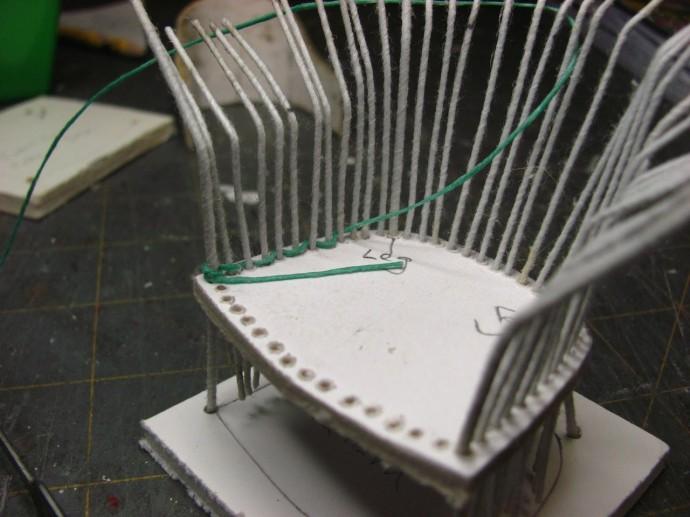 Плетеное кресло для кукол
