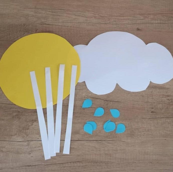 """Поделка из цветной бумаги """"Дождь и солнце"""""""