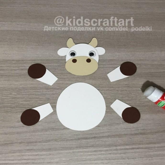 Рукавичка с коровкой