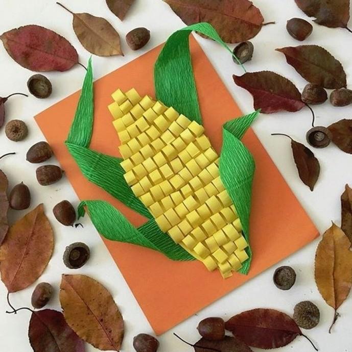 Кукуруза из двух видов бумаги