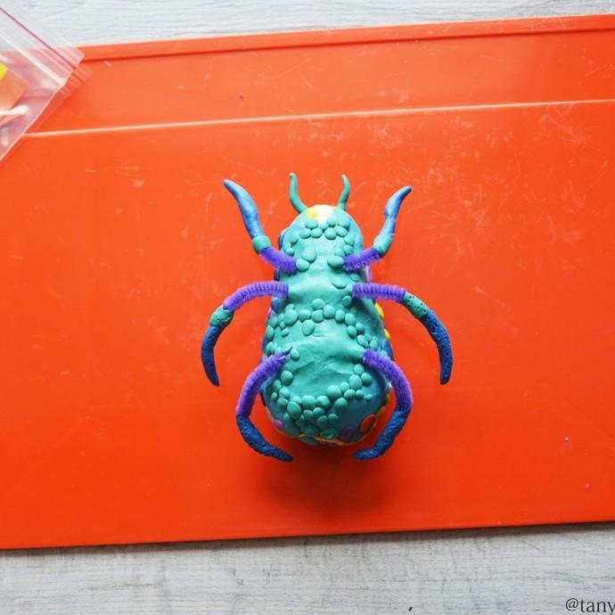 Пластилиновый жук