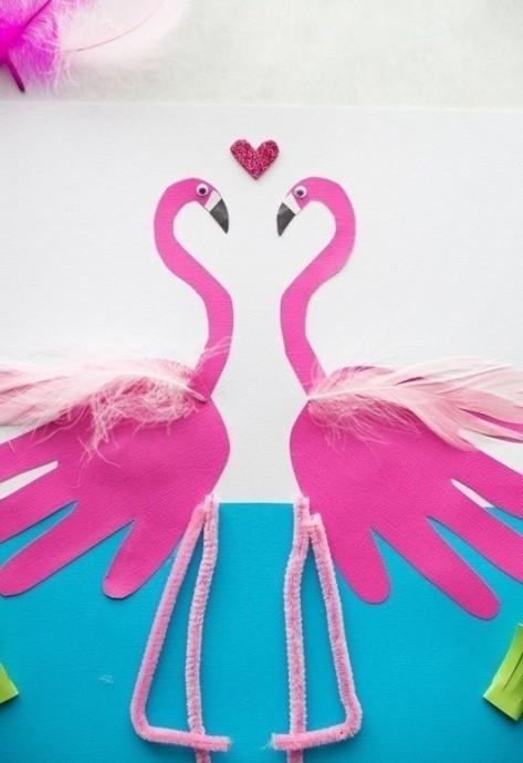 Фламинго из детских ладошек