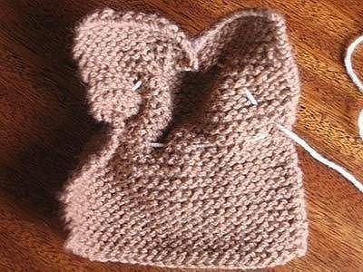 Кролик платочной вязкой: мастер-класс