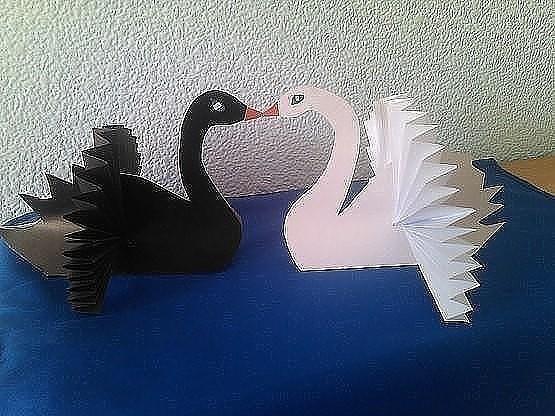 """Поделка """"Лебедь"""""""