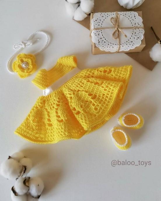 Солнечное платье на куколку ростом 32 см