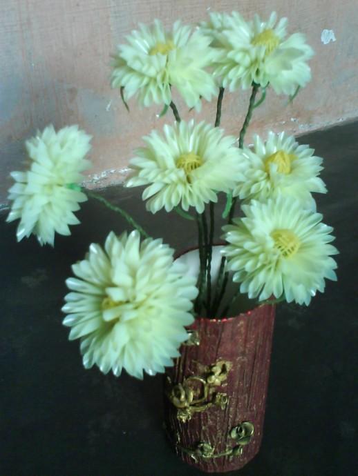 Цветочки из коктейльных трубочек