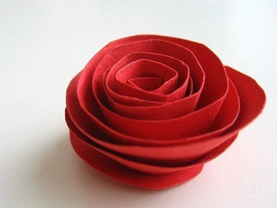 Сердце из спиральных бумажных цветов 4