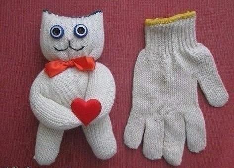 Игрушки из перчаток: отличные идеи