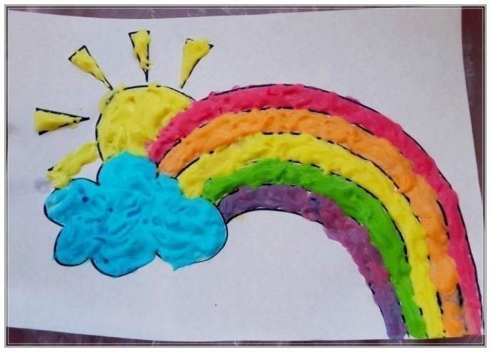 Объёмный рисунок из радуги и солнца