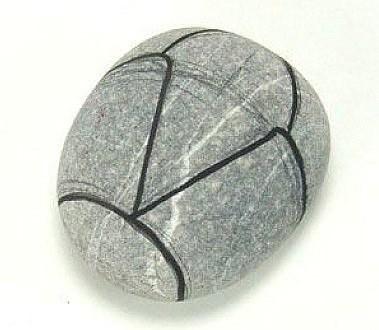 Рисуем с детьми на камнях
