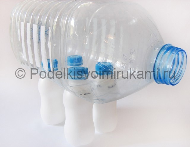Слон из пластиковых бутылок