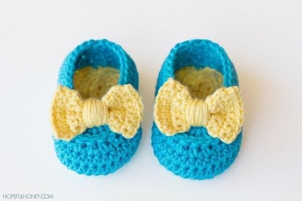 Обувь для куклы, связанная крючком