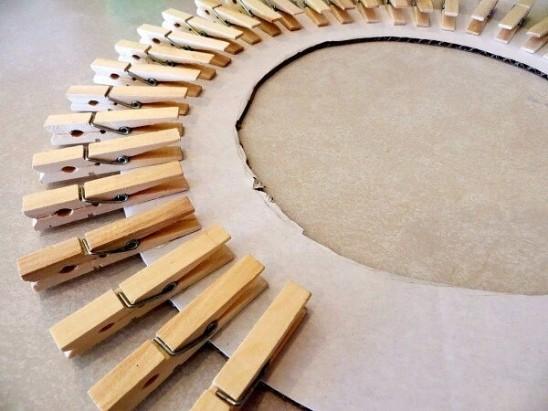 Солнцеподобная рама для зеркала из подручных материалов