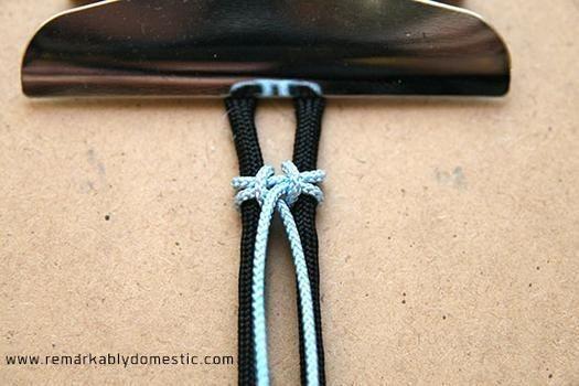 Браслеты из шнурков