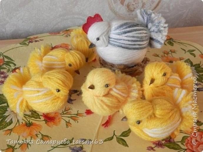 Цыплята из пряжи детскими руками: мастер-класс