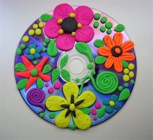 Лепка из пластилина на компакт дисках