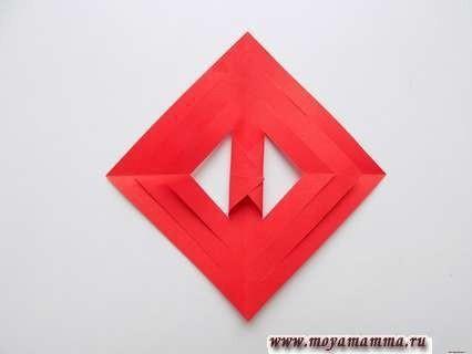 Ажурный осенний лист из бумаги с градиентным переходом
