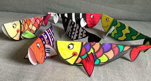 Стоячая рыбка из плотной бумаги