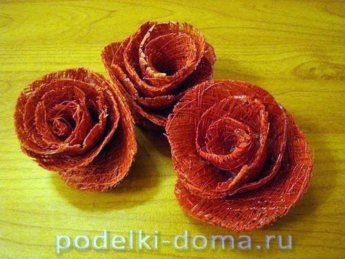 Букет роз из швейных ниток 5