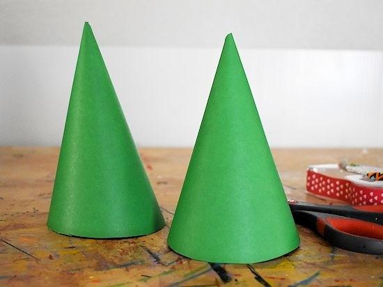 Лесной гном из цветной бумаги 1