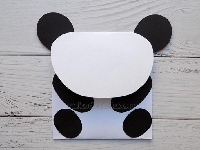 Подарочный конверт из бумаги в виде панды