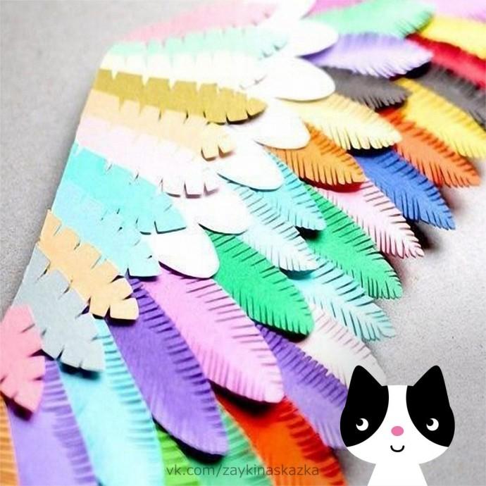 Разноцветная птичка из бумаги