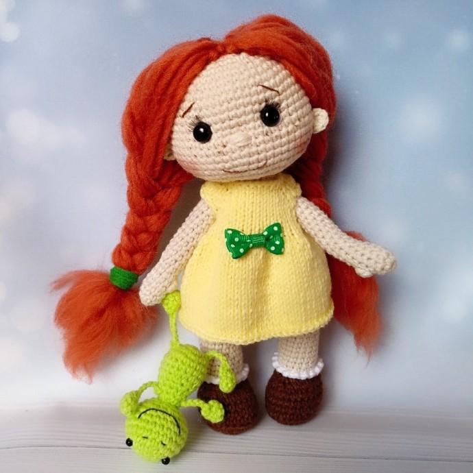Вязаная куколка