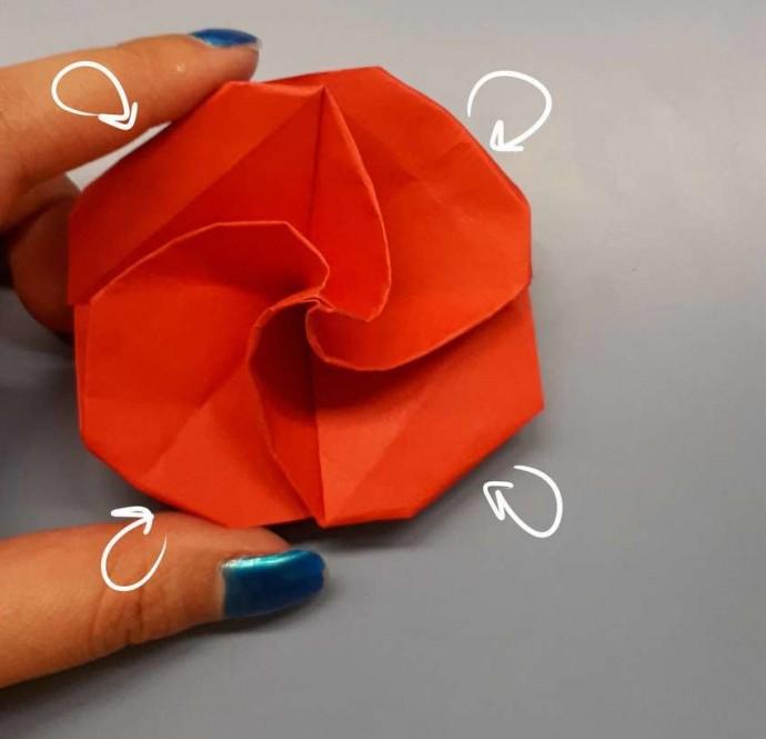 Чудесный цветок оригами 20