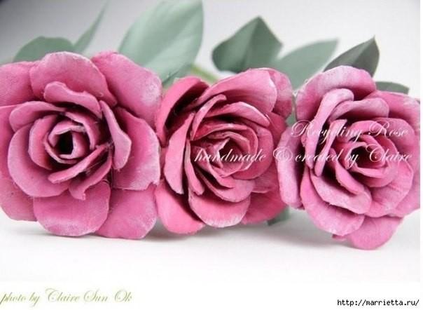 Цветок из картонного лотка 5