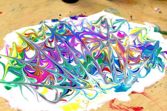"""Рисунок на """"мраморной"""" бумаге, сделанной своими руками"""