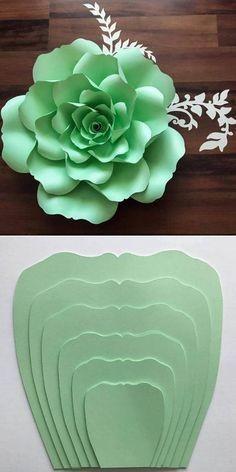 Крупные бумажные цветочки