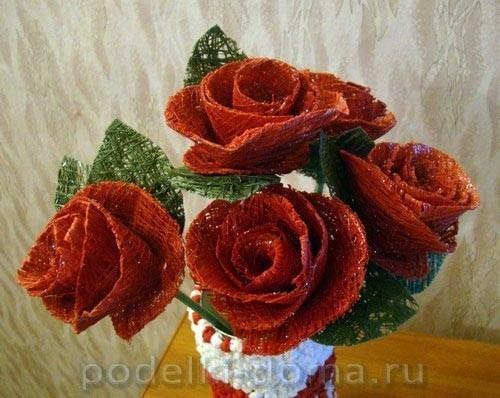 Букет роз из швейных ниток 9