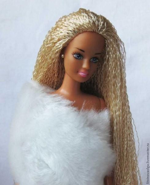 Меняем кукле Барби волосы