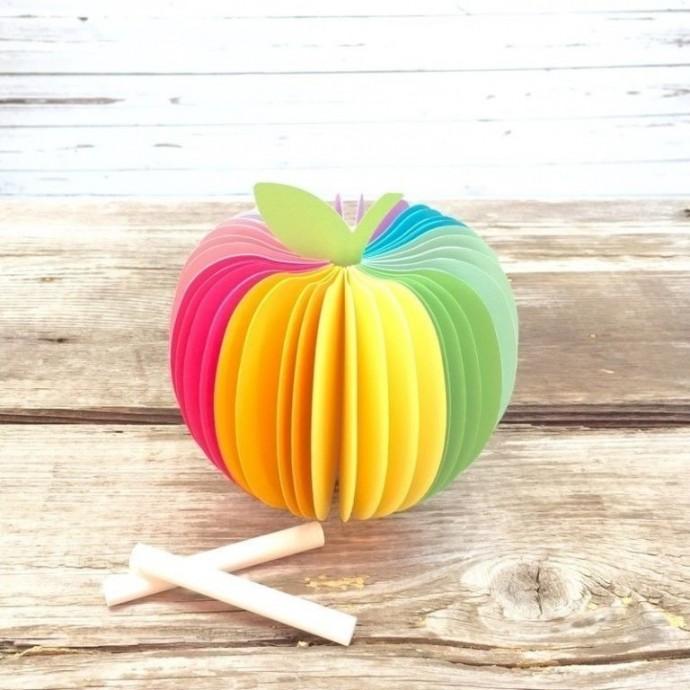 Поделка в виде яблока 1