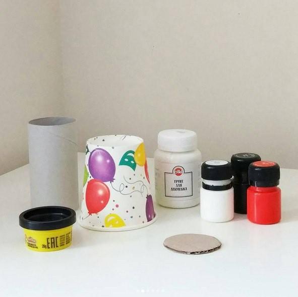 Маяк из бумажного стаканчика, втулки и маленькой пластиковой баночки