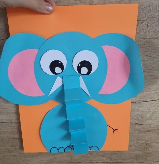 Слоник с забавным хоботком