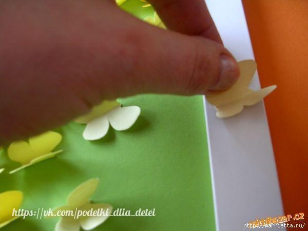 Панно с бабочками из бумаги