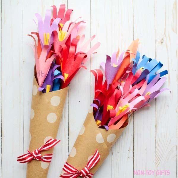 Яркие букетики из цветов-ладошек 2