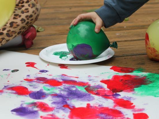 Рисуем с детьми самыми разными неожиданными способами