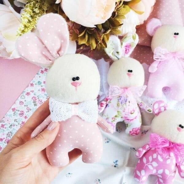 Мягкие игрушки-зайки