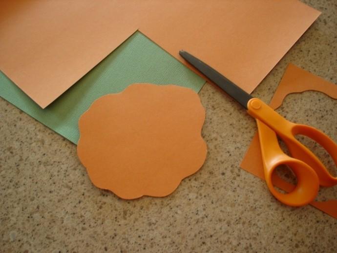Крученные бумажные розочки