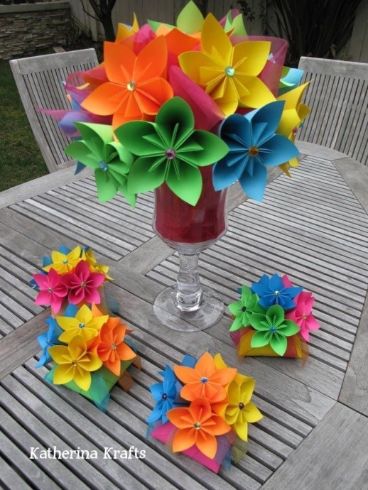 Красивые яркие цветочки на основе одного модуля-оригами