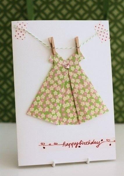Миниатюрные бумажные платья