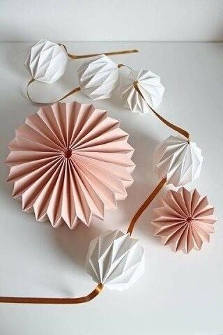 Делаем объёмные бумажные цветы