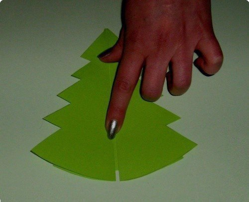 Открытки-ёлочки детскими руками 6